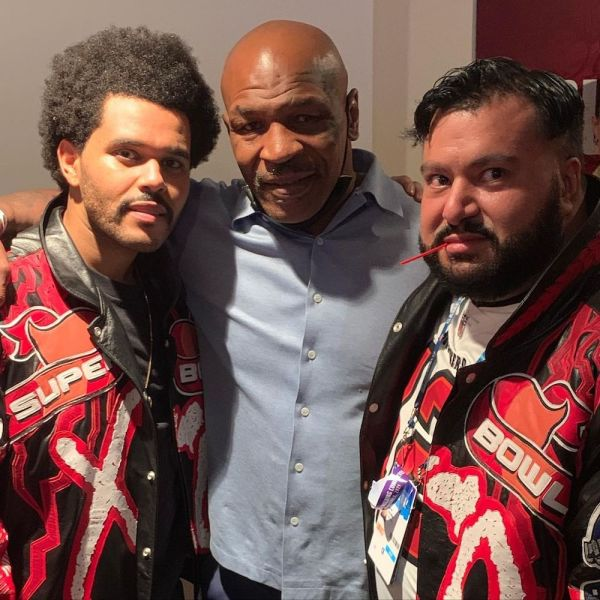The Weeknd con Mike Tyson y su socio, Cash, en el backstage del Super Bowl LV - Instagram Cash